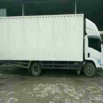 Rental Truk BOX Sewa Truk BOX Surabaya