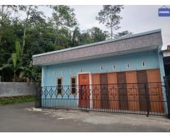 Dikontrakkan rumah setahun 8 juta, pangebatan Karanglewas Purwokerto
