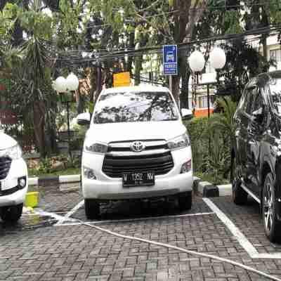 rental mobil innova reborn di surabaya