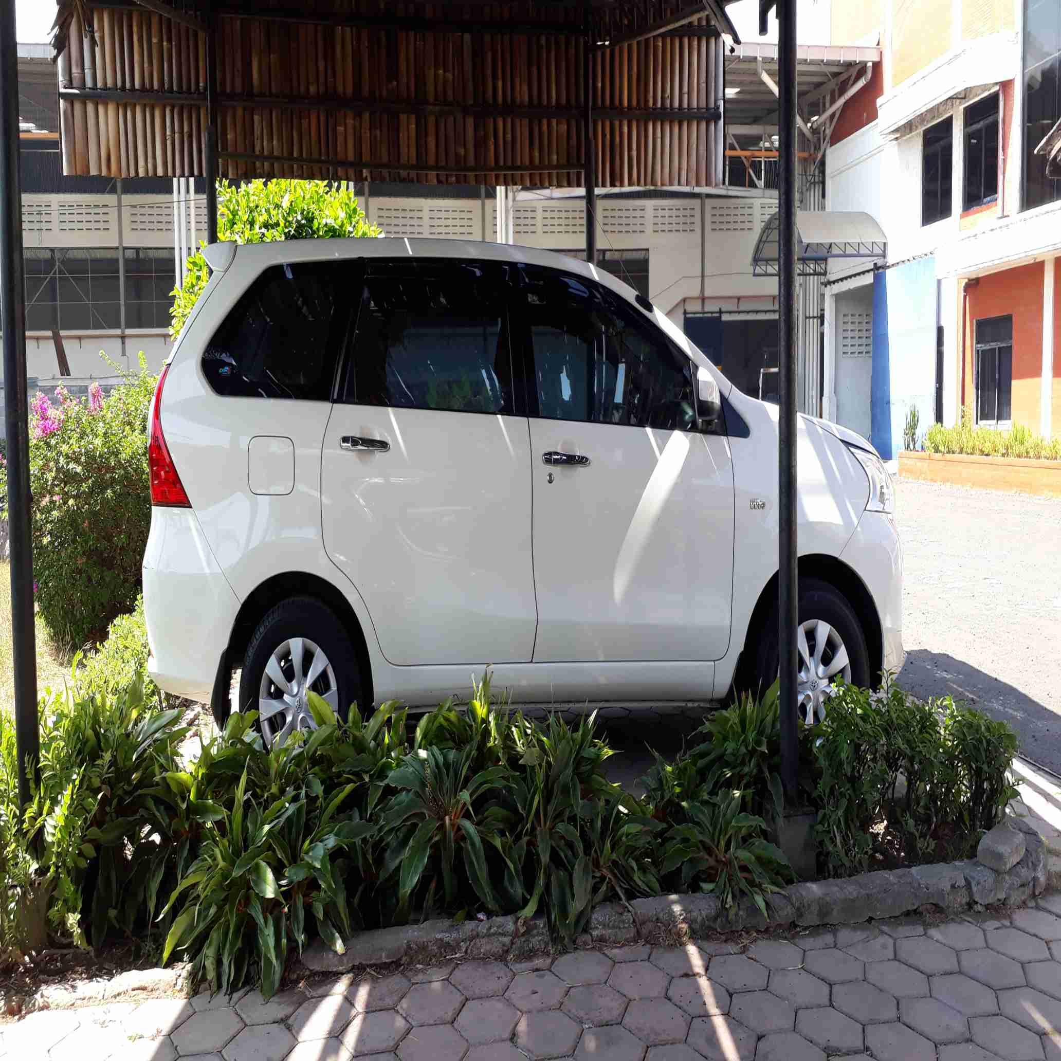 Rental Avanza dengan Driver Sidoarjo