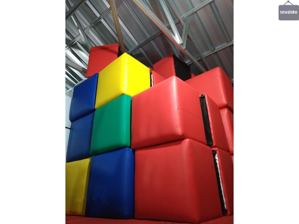 Sewa sofa puff kotak warna