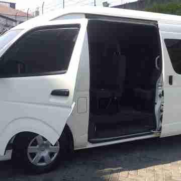 Sewa Rental Mobil Hiace Surabaya-nganjuk
