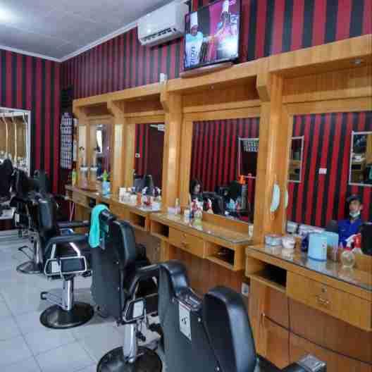 Disewakan Ruko Beserta isinya khusus usaha Pangkas Rambut atau Barbershop