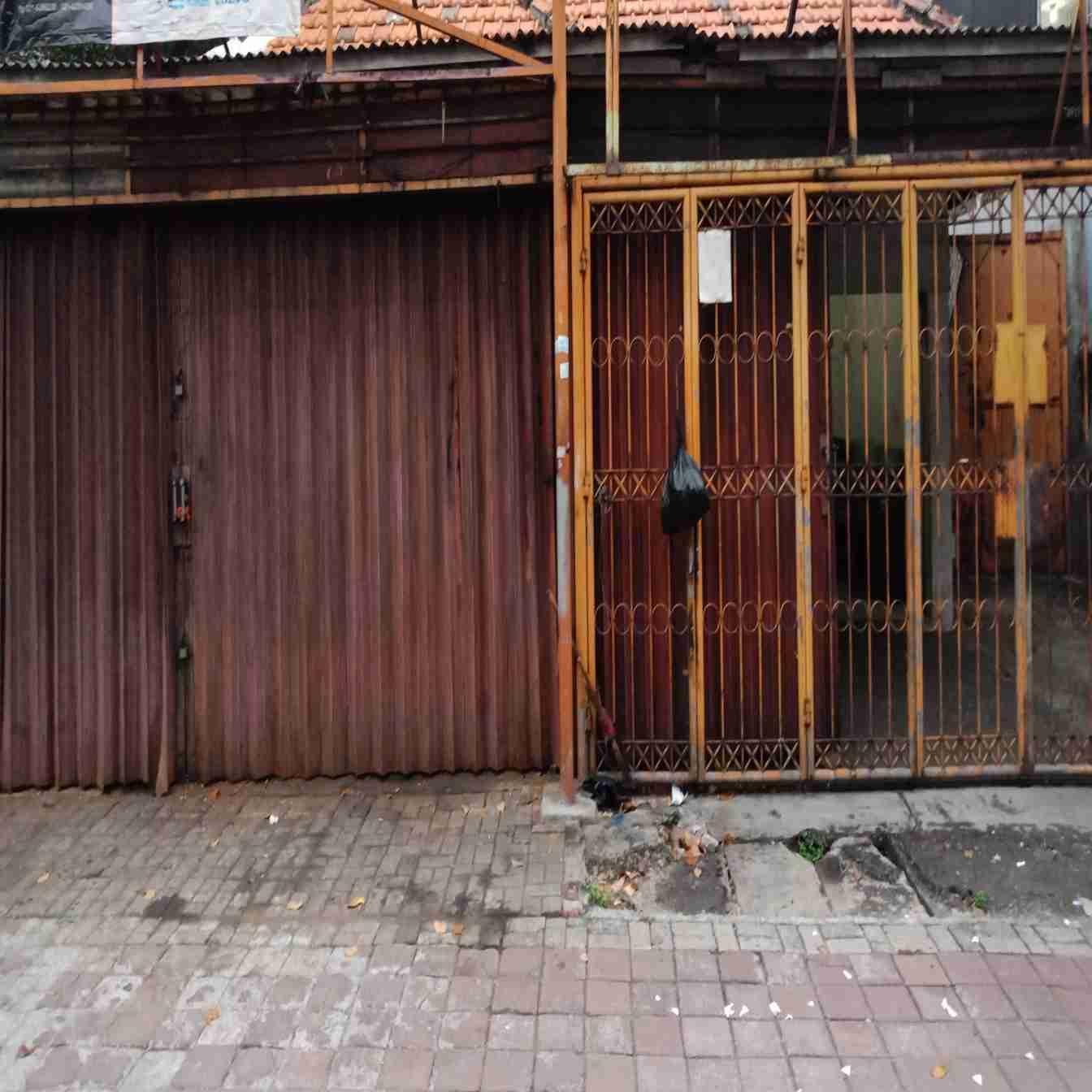 Di Sewakan Bangunan Komersil (Jalan Taman Sari Raya Jakarta Barat / Depan Stasiun Mangga Besar).