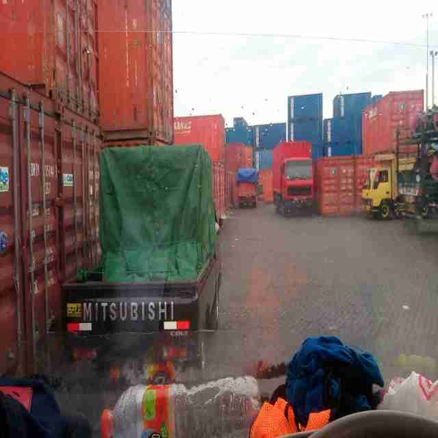 jasa angkutan truk Surabaya