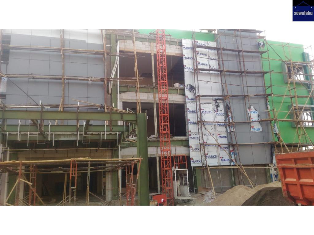 Hoist gedung / lift proyek kota tegal