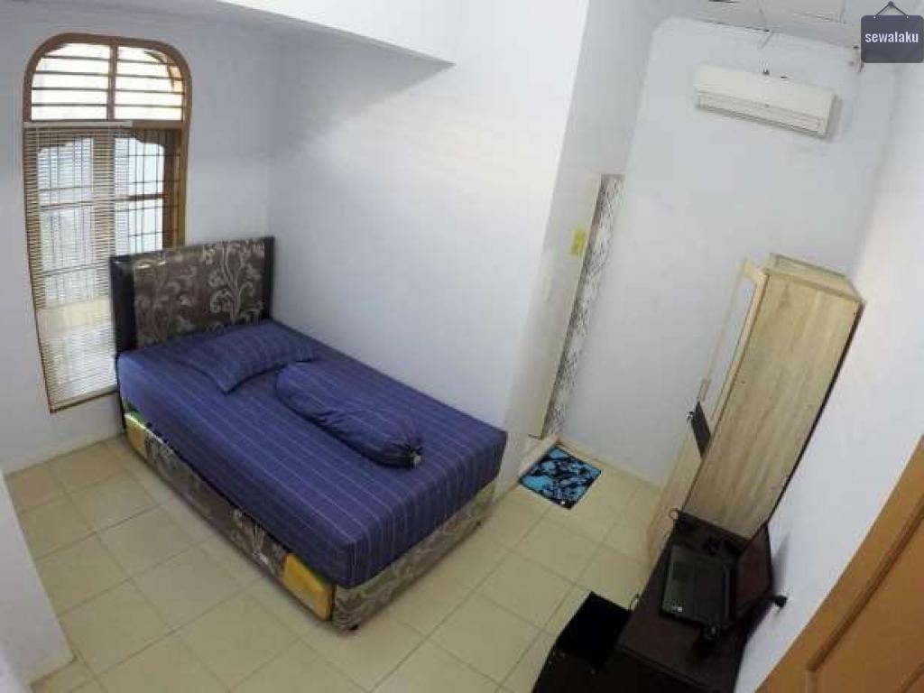 Rumah kost DAMAR (dekat jl. Danau Singkarak, jl. Ayahanda, RSU Royal Prima, UNPRI (Universitas Prima