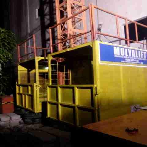 lift barang jogjakarta//lift material//alat proyek jogjakarta