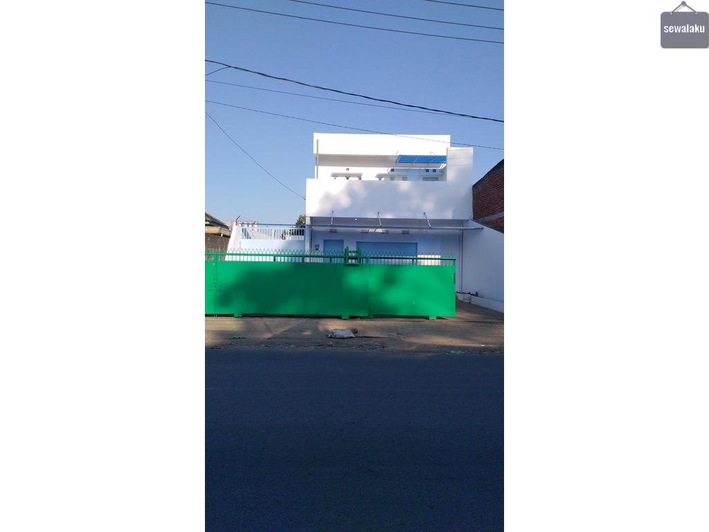 Disewakan rumah 2 tingkat di jalan raya nanjung cimahi(seberang kantot pos)