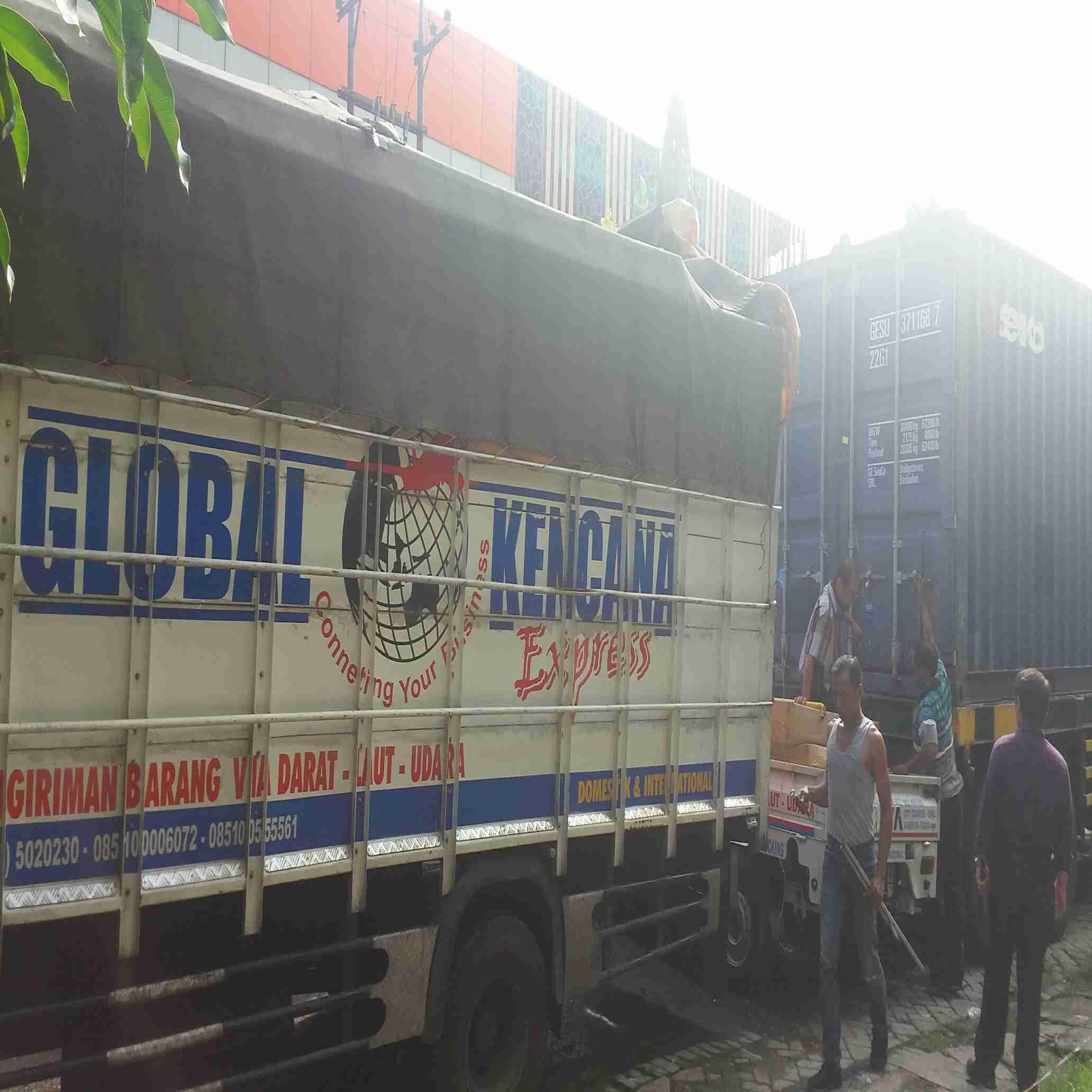Jasa pengiriman barang ke seluruh Indonesia